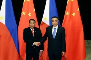 Duterte rompe com EUA e alinha Filipinas com a China